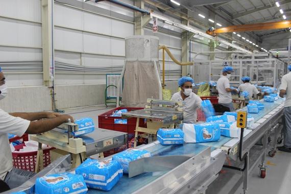 بهره برداری رسمی از خط تولید پوشک شورتی برای اولین بار در کشور در ساوه