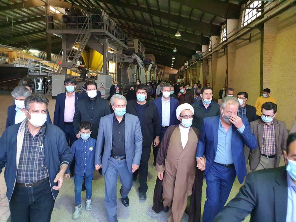 بازدید وزیر صمت از واحد تولیدی فرش ماشینی در شهرستان دلیجان